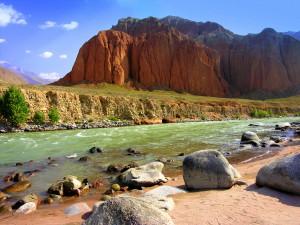 Kyrgyzstan red valley photo by Kirsten Koza