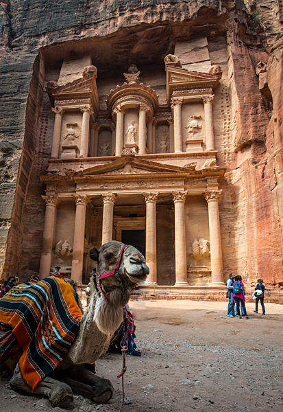 The Treasury, Petra. (Photo by Christopher Campbell, Writers' Expeditions)
